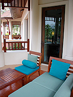 Balcony : Deluxe Pavilion Ocean (6000-9000บาท) โรงแรมในพัทยา, ประเทศไทย