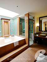 パタヤ サウスパタヤのホテル : インターコンチネンタル パタヤ リゾート(Inter Continental Pattaya Resort)のデラックス パビリオン オーシャンルームの設備 Bath Room