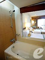 パタヤ オーシャンビューのホテル : サイアム ベイショア リゾート & スパ(Siam Bayshore Resort & Spa)のエグジクティブ デラックス(シングル)ルームの設備 Bathroom
