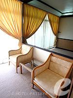 パタヤ ジョムティエンビーチのホテル : シグマ リゾート ジョムティエン パタヤ(Sigma Resort Jomtien Pattaya)のスーペリア ルームルームの設備 Living Area