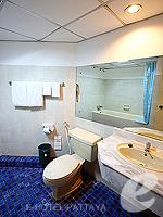 パタヤ ジョムティエンビーチのホテル : シグマ リゾート ジョムティエン パタヤ(Sigma Resort Jomtien Pattaya)のスーペリア ルームルームの設備 Bathroom