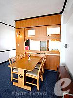 パタヤ ジョムティエンビーチのホテル : シグマ リゾート ジョムティエン パタヤ(Sigma Resort Jomtien Pattaya)のジュニア スイート ルームルームの設備 Dining Area