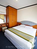 パタヤ ジョムティエンビーチのホテル : シグマ リゾート ジョムティエン パタヤ(Sigma Resort Jomtien Pattaya)のシグマ スイートルームの設備 Bedroom