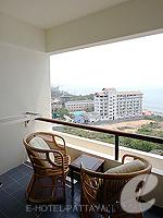 パタヤ ジョムティエンビーチのホテル : シグマ リゾート ジョムティエン パタヤ(Sigma Resort Jomtien Pattaya)のシグマ スイートルームの設備 Balcony