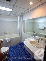 パタヤ ジョムティエンビーチのホテル : シグマ リゾート ジョムティエン パタヤ(Sigma Resort Jomtien Pattaya)のシグマ スイートルームの設備 Bathroom