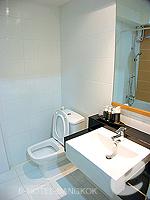 バンコク ファミリー&グループのホテル : シーロム コンベント ガーデン(Silom Convent Garden)のスタジオ A ルームの設備 Bedroom