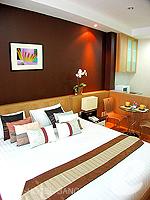 バンコク ファミリー&グループのホテル : シーロム コンベント ガーデン(Silom Convent Garden)のスタジオ E ルームの設備 Bedroom