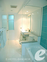 バンコク インターネット接続(無料)のホテル : シーロム コンベント ガーデン(Silom Convent Garden)の1 ベッドルーム F ルームの設備 Bedroom