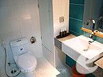 バンコク ファミリー&グループのホテル : シーロム コンベント ガーデン(Silom Convent Garden)の2ベッドルーム Dルームの設備 Bath Room