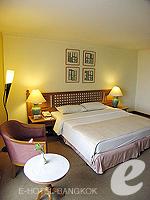 バンコク ファミリー&グループのホテル : シーロム セリーヌ(Silom Serene)のデラックス(ツイン)ルームの設備 Bedroom