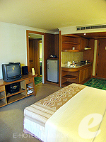 バンコク シーロム・サトーン周辺のホテル : シーロム セリーヌ(Silom Serene)のエグゼクティブ(ダブル)ルームの設備 Bedroom