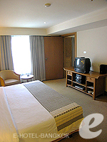 バンコク ファミリー&グループのホテル : シーロム セリーヌ(Silom Serene)の1ベッドルーム スイート(ダブル)ルームの設備 Bedroom