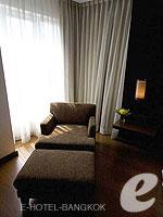 バンコク スクンビットのホテル : シルク バンコク(Silq Bangkok)のデラックスルームの設備 Relax Chair