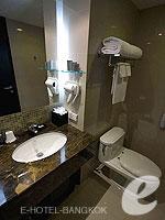 バンコク スクンビットのホテル : シルク バンコク(Silq Bangkok)のデラックスルームの設備 Bathroom