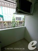 バンコク スワンナプーム空港周辺のホテル : シルバー ゴールド ガーデン スワンナプーム エアポート(Silver Gold Garden Suvarnabhumi Airport)のスーペリアルーム(ルームオンリー)ルームの設備 Balcony