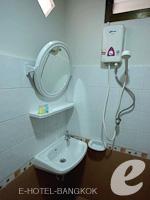 バンコク スワンナプーム空港周辺のホテル : シルバー ゴールド ガーデン スワンナプーム エアポート(Silver Gold Garden Suvarnabhumi Airport)のスーペリアルーム(ルームオンリー)ルームの設備 Bathroom