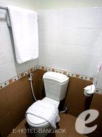 バンコク スワンナプーム空港周辺のホテル : シルバー ゴールド ガーデン スワンナプーム エアポート(Silver Gold Garden Suvarnabhumi Airport)のスーペリアルームの設備 Bathroom