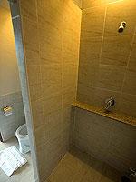 プーケット 5,000~10,000円のホテル : シノハウス ホテル プーケットタウン(Sino House Hotel Phuket Town)のシャンハイ デラックスルームの設備 Bath Room