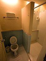 プーケット 5,000~10,000円のホテル : シノハウス ホテル プーケットタウン(Sino House Hotel Phuket Town)のベイジン デラックスルームの設備 Bath Room