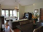 サムイ島 チョンモーンビーチのホテル : ソムオー ヴィラ(Som O Villa)の3ベッドルームルームの設備 Living Room