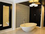 プーケット 5,000円以下のホテル : シュガー マリーナ リゾート ファッション カタ ビーチ(Sugar Marina Resort FASHION Kata Beach)のデラックスルームの設備 Bathroom
