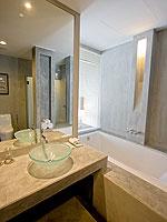 プーケット 5,000円以下のホテル : シュガーパーム グランド ヒルサイド(Sugar Palm Grand Hillside)のグランド デラックスルームの設備 Bath Room