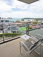 プーケット ファミリー&グループのホテル : シュガーパーム グランド ヒルサイド(Sugar Palm Grand Hillside)のグランド ジャグジー デラックスルームの設備 Balcony