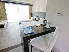 プーケット ファミリー&グループのホテル : シュガーパーム グランド ヒルサイド(1)のお部屋「グランド ジャグジー デラックス」