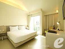 パタヤ ジョイナーフィー無料(JF無料)のホテル : サンシャイン ホテル & レジデンス(1)のお部屋「デラックス プールビュー サンシャイン タワー」