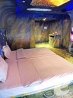 プーケット ファミリー&グループのホテル : ノボテル プーケット カロン ビーチ リゾート & スパ(Novotel Phuket Karon Beach Resort & Spa)のアドベンチャー ルームルームの設備 Bedroom