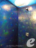 プーケット ファミリー&グループのホテル : ノボテル プーケット カロン ビーチ リゾート & スパ(Novotel Phuket Karon Beach Resort & Spa)のアドベンチャー ルームルームの設備 Bathroom