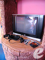 プーケット ファミリー&グループのホテル : ノボテル プーケット カロン ビーチ リゾート & スパ(Novotel Phuket Karon Beach Resort & Spa)のドゥプレックス アドベンチャー スイートルームの設備 Television
