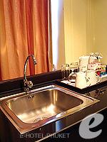 プーケット ファミリー&グループのホテル : ノボテル プーケット カロン ビーチ リゾート & スパ(Novotel Phuket Karon Beach Resort & Spa)のジュニア スイートルームの設備 Sink