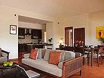 サムイ島 チョンモーンビーチのホテル : テンモー ヴィラ(Tangmo Villa)の3ベッドルームルームの設備 Living Room