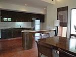 サムイ島 チョンモーンビーチのホテル : テンモー ヴィラ(Tangmo Villa)の3ベッドルームルームの設備 Kitchen