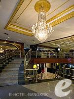 バンコク シーロム・サトーン周辺のホテル : タワナ バンコク 「Entrance」