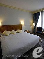 バンコク カップル&ハネムーンのホテル : タワナ バンコク(Tawana Bangkok)のスーペリア トリプルルームの設備 Bedroom