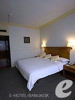 バンコク カップル&ハネムーンのホテル : タワナ バンコク(Tawana Bangkok)のスーペリア トリプルルームの設備 Living Room