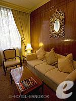 バンコク カップル&ハネムーンのホテル : タワナ バンコク(Tawana Bangkok)のジュニア スイートルームの設備 Living Area