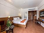 プーケット 5,000~10,000円のホテル : タラ パトン ビーチ リゾート&スパ(Thara Patong Beach Resort & Spa)のデラックス ドルフィンルームの設備 Bedroom