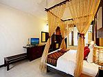 プーケット ファミリー&グループのホテル : アクセス リゾート & ヴィラ(Access Resort & Villas)のプールアクセス デラックス ツイン(ブルーウィング)ルームの設備 Bed Room