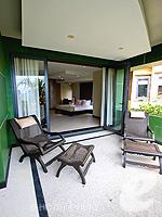 プーケット カタビーチのホテル : ザ アスパシア プーケット(The Aspasia Phuket)のデラックス グランド ガーデンルームの設備 Balcony