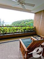 プーケット インターネット接続(無料)のホテル : ザ アスパシア プーケット(The Aspasia Phuket)の1ベッドルームシービュースイートルームの設備 Balcony