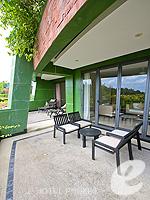 プーケット カタビーチのホテル : ザ アスパシア プーケット(The Aspasia Phuket)の1ベッドルーム グランド ガーデン スイートルームの設備 Balcony