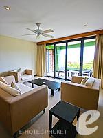 プーケット インターネット接続(無料)のホテル : ザ アスパシア プーケット(The Aspasia Phuket)の1ベッドルームグランドシービュースイートルームの設備 Living Room