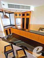 プーケット インターネット接続(無料)のホテル : ザ アスパシア プーケット(The Aspasia Phuket)の1ベッドルームグランドシービュースイートルームの設備 Kitchen