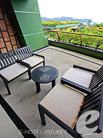 プーケット インターネット接続(無料)のホテル : ザ アスパシア プーケット(The Aspasia Phuket)の1ベッドルームグランドシービュースイートルームの設備 Terrace