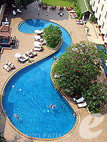 Swimming Pool : The Bayview Pattaya, South Pattaya, Phuket