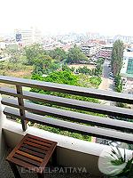 パタヤ サウスパタヤのホテル : ザ ベイビュー パタヤ(The Bayview Pattaya)のデラックス ガーデン ビュー(シングル)ルームの設備 Balcony