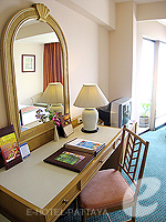 パタヤ サウスパタヤのホテル : ザ ベイビュー パタヤ(The Bayview Pattaya)のデラックス シービュー (ツイン/ダブル)ルームの設備 Bedroom
